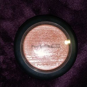 MAC Fairly precious extra dimension blush